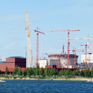 Olkiluoto-3 under construction in 2009, the first EPR to be built. It is scheduled to start electricity production in 2018, a delay of nine years. credit By kallerna - Own work, Public Domain, https://commons.wikimedia.org/w/index.php?curid=6954379